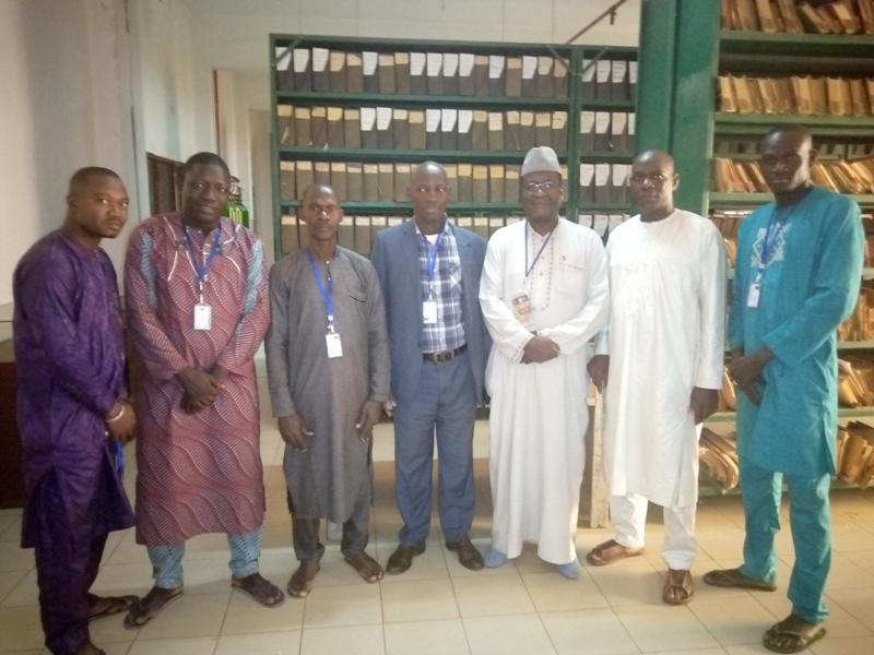 Visite du Directeur National des Archives de Guinée à la DNAM